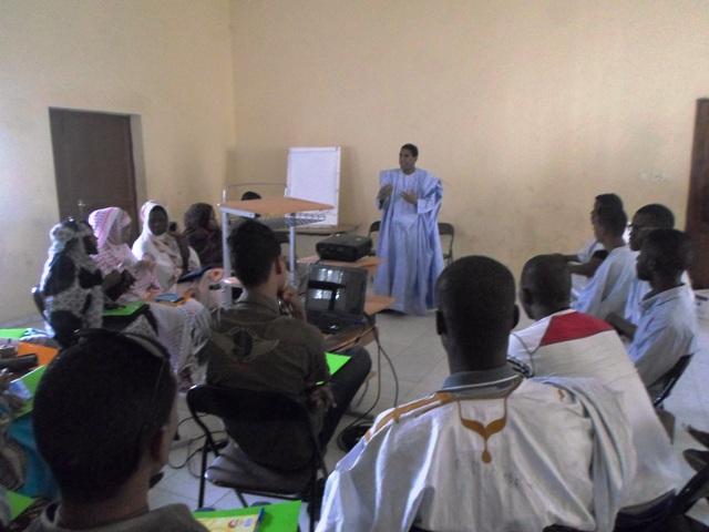 جانبمن الدورة التكوينية في مجال التنمية الذاتية من تقديم محمد المختار باب (السراج)