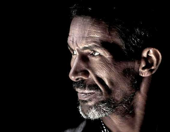 صورة للمخرج سالم دندو من نسخة مهرجان سنمائي سابق في موريتانيا