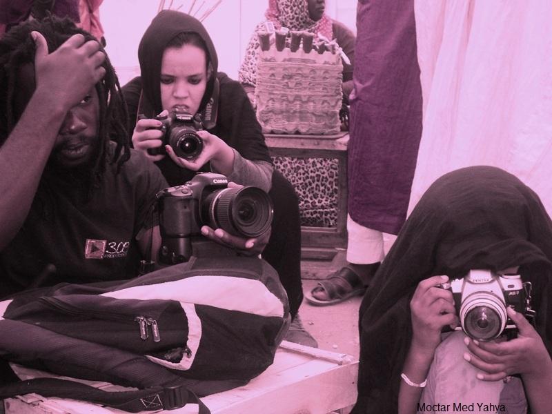جانب من كواليس تصوير لقطة في السوق ضمن فلم تيتا بائعة النعناع (السراج)