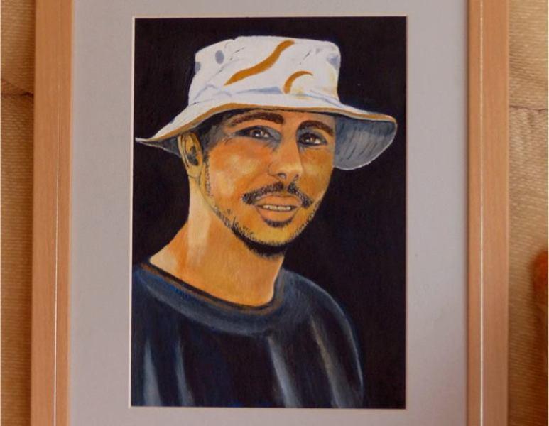 اللوحة التي رسمتها الأمريكية سوسي سيلفان للمهندس المعتقل بغوانتنامو محمدو ولد صلاحي (السراج)