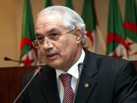 وزير الداخلية والجماعات المحلية الجزائري الطيب بلعيز (أرشيف - وكالات)