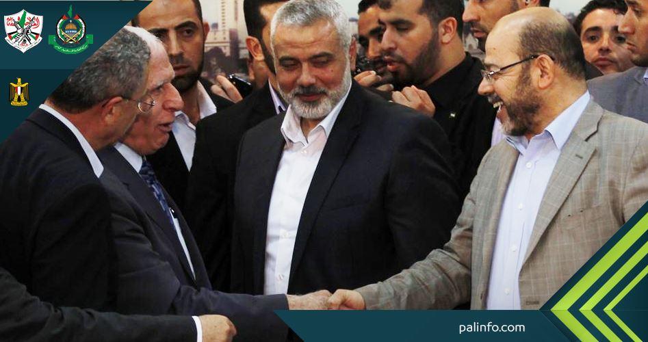 صورة لقادة من حماس وفتح