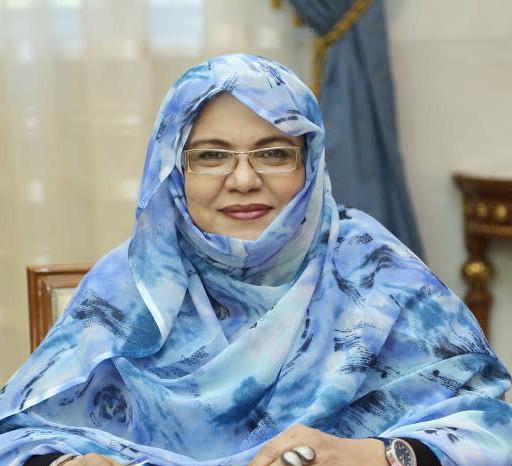 وزيرة الشؤون الاجتماعية الوصية على توزيع المبالغ