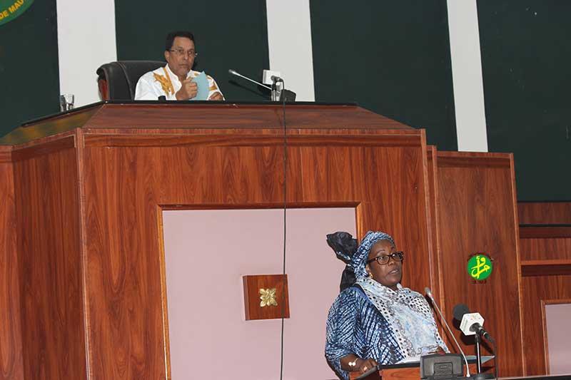 تانديا خلال جلسة فى الجمعية الوطنية