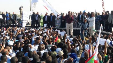 الرئيس الموريتاني محمد ولد عبد العزيز خلال إلقاء كلمته في المهرجان الختامي للمسيرة المناهضة للكراهية.