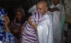 ولد صلاحي لدى وصوله أرض الوطن بعد سنوات من السجن