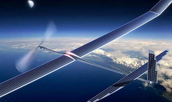 """""""فيسبوك"""" تطلق طائرة بدون طيار لإرسال الإنترنت للمناطق النائية"""