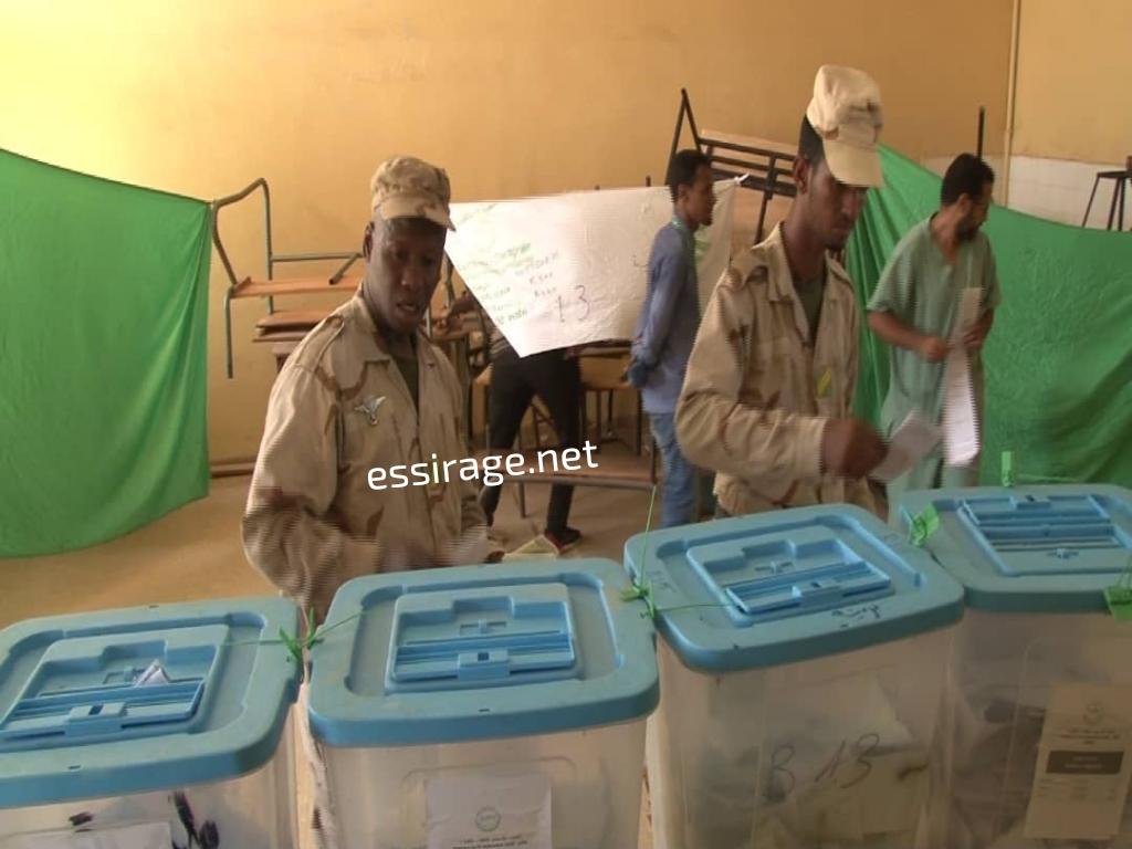 عسكري يصوت