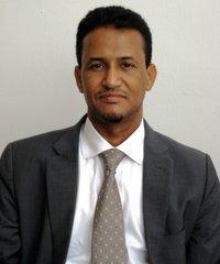 د.محمد بن المختار الشنقيطي ـ أستاذ الأخلاق السياسية وتاريخ الأديان في جامعة حمد بالدوحة.