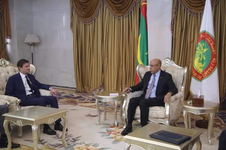 الرئيس الموريتاني محمد ولد الشيخ الغزواني ووكيل وزارة الشؤون الخارجية الأمريكية ديفيد هيل