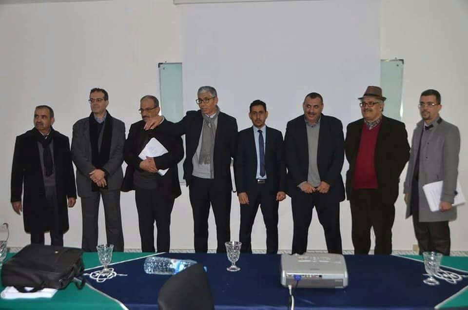 مع لجنة النقاش