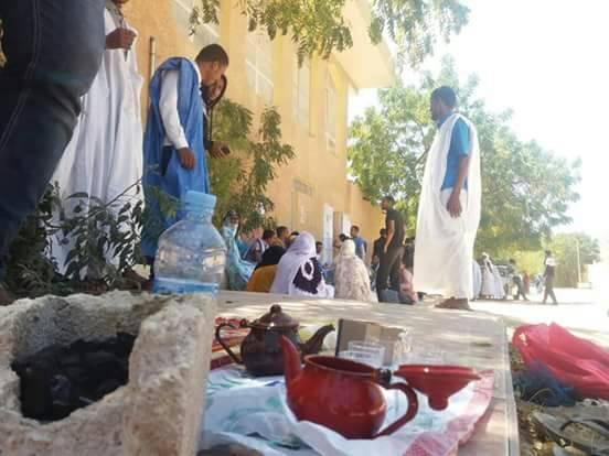 الشاي حاضر خلال الاعتصام
