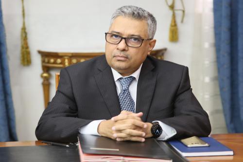 الشيخ الكبير ولد مولاي الطاهر: وزير الاقتصاد والصناعة