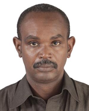 عبدولاي يريل صو: كاتب.