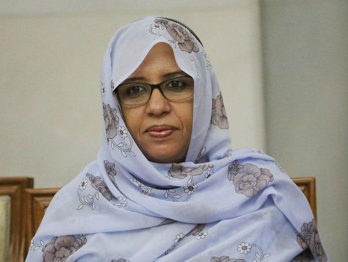 وزيرة الثقافة والصناعة التقليدية هند بنت عينينا (وم أ)