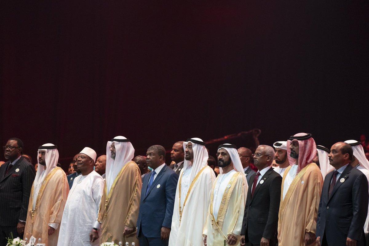 الرئيس الموريتاني محمد ولد عبد العزيز وبعض قادة الدول لدى حضورهم انطلاق أعمال أسبوع أبوظبي للاستدامة.
