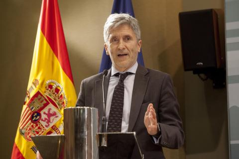 فرناندو غراندي مارلاسكا: وزير الداخلية الإسباني