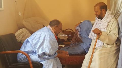 الرئيس محمد جميل منصور مع والدة الرئيس محمد غلام