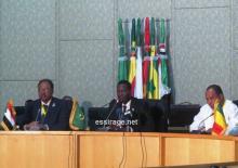 جانب من المؤتمر الصحفي الذي عقده أربعة وزراء بيئة من دول السور الأخضر بعد اختتام القمة على مستوى الرؤساء (تصوير - السراج)