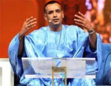 الشاعر الموريتاني الشيخ ولد بلعمش (أرشيف)