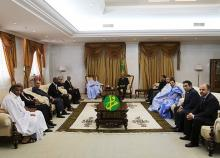جانب من القاء الذي جمع الرئيس الموريتاني محمد ولد عبد العزيز برئيس الاتحادية الوطنية للصيد وعدد من الفاعلين بالمجال (وم أ)