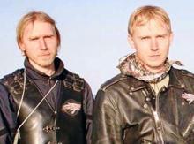 """صورة الشقيقين التوأمان الروسيان """"سيرغي"""" و""""ألكسندر سينيلنيك"""" (السراج)"""