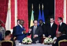 حفل عشاء جمع بين الرئيس الفرنسي فرانسوا هولاند والرئيس المالي أبو بكر كيتا في باريس (السراج)