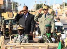 قائد أركان الجيوش رفقة الرئيس الموريتاني محمد ولد عبد العزيز (أرشيف)