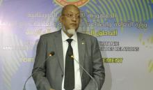 سيدنا عالي ولد محمد خونه: وزير الوظيفة العمومية الناطق باسم الحكومة وكالة.