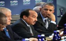 رئئيس موريتانيا محمد ولد عبد العزيز إلى جانب الرئيس الأمريكي باراك أوباما في أحد المؤتمرات (أرشيف)