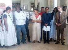 جانب من حضور المعرض السادس الذي يقام في المركز الثقافي المغربي في نواكشوط (السراج)