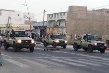 جانب من العرض العسكري التدريبي الأول بمدينة نواذيبو وتظهر فيه عربات عسكرية وحاملات جند ومركبات تظهر لأول مرة وهي مستخدمة للمجال الطبي، بالإضافة إلى  شاحنات ناقلة للجند وراجمات الصواريخ (السراج)