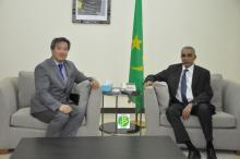 الوزير الأول يبحث علاقات التعاون مع القائم بأعمال سفارة اليابان في نواكشوط