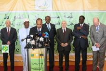 الرئيس ولد عبد العزيز دعا إلى التدخل العسكري في ليبيا