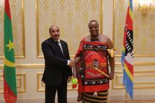الرئيس الموريتاني محمد ولد عبد العزيز وملك اسواتيني مسواتي الثالث