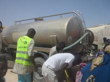 صوملك:تفريغ صهريج مياه في خزنات الوقود وراء انقطاع الكهرباء