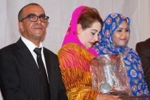 جانب من تكريم الفنانة الأمازيغية فاطمة تحيحت ضمن تكريملت المهرجان (السراج)