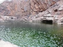 """جانب من الاحتياطي الموجود من المياه في جوف أخدود """"أم لحبال"""" (تصوير-السراج)"""