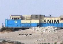 مقدمة قطار اسنيم ثاني أطول قطار في العالم الموجود شمال موريتانيا على خط الربط بين مدينتين ازويرات ومدينة نواذيبو على الساحل الغربي لموريتانيا (السراج)