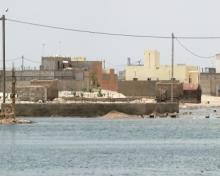 برك من مياه الأمطار وتسرب المياه الجوفية في حي الدار البيضاء