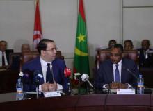 الوزير الأول الموريتاني محمد سالم ولد البشير ورئيس الحكومة التونسية يوسف الشاهد.