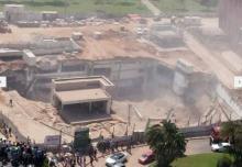انهيار مبنى في الكيان الصهيوني وتوقعات بحدوث عدة وفيات
