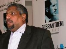 الكاتب عبد الفتاح ولد اعبيدن